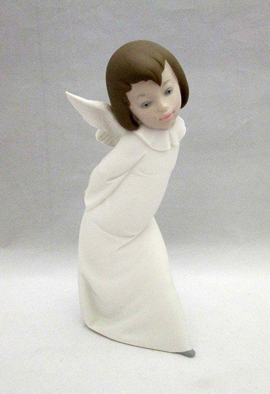 LLADRO CURIOUS ANGEL