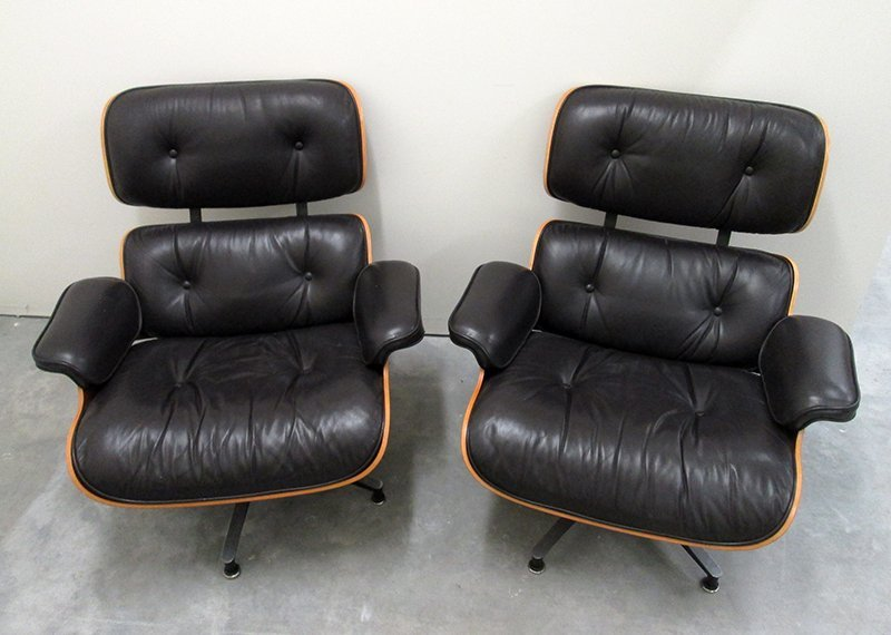 (2) HERMAN MILLER EAMES LOUNGE CHAIRS