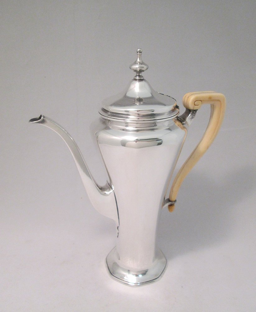 TIFFANY MAKERS STERLING SILVER COFFEE POT