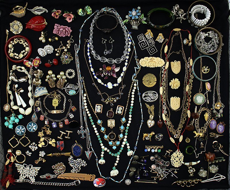 ANTIQUE JEWELRY COLLECTION