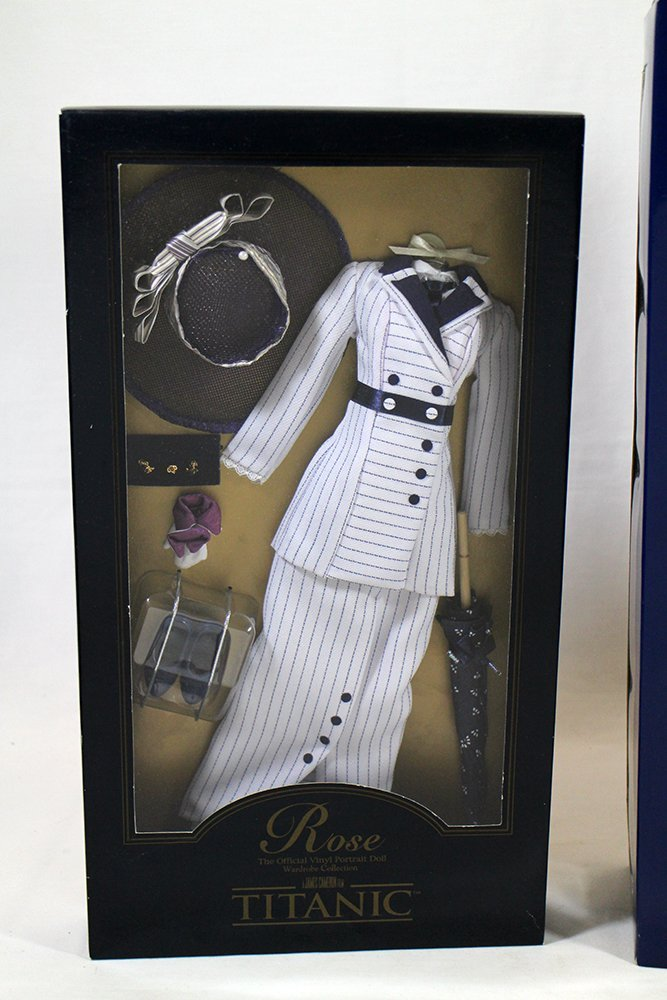 """FRANKLIN MINT 16"""" ROSE TITANIC DOLL & OUTFIT - 3"""