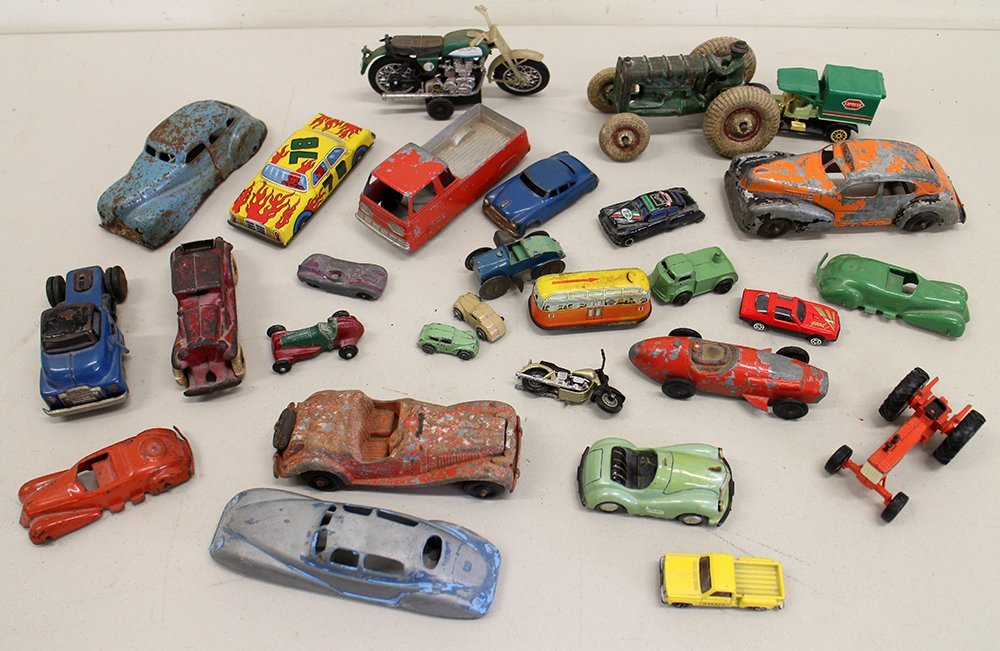 VINTAGE MINIATURE PRESSED STEEL & LITHO TOYS