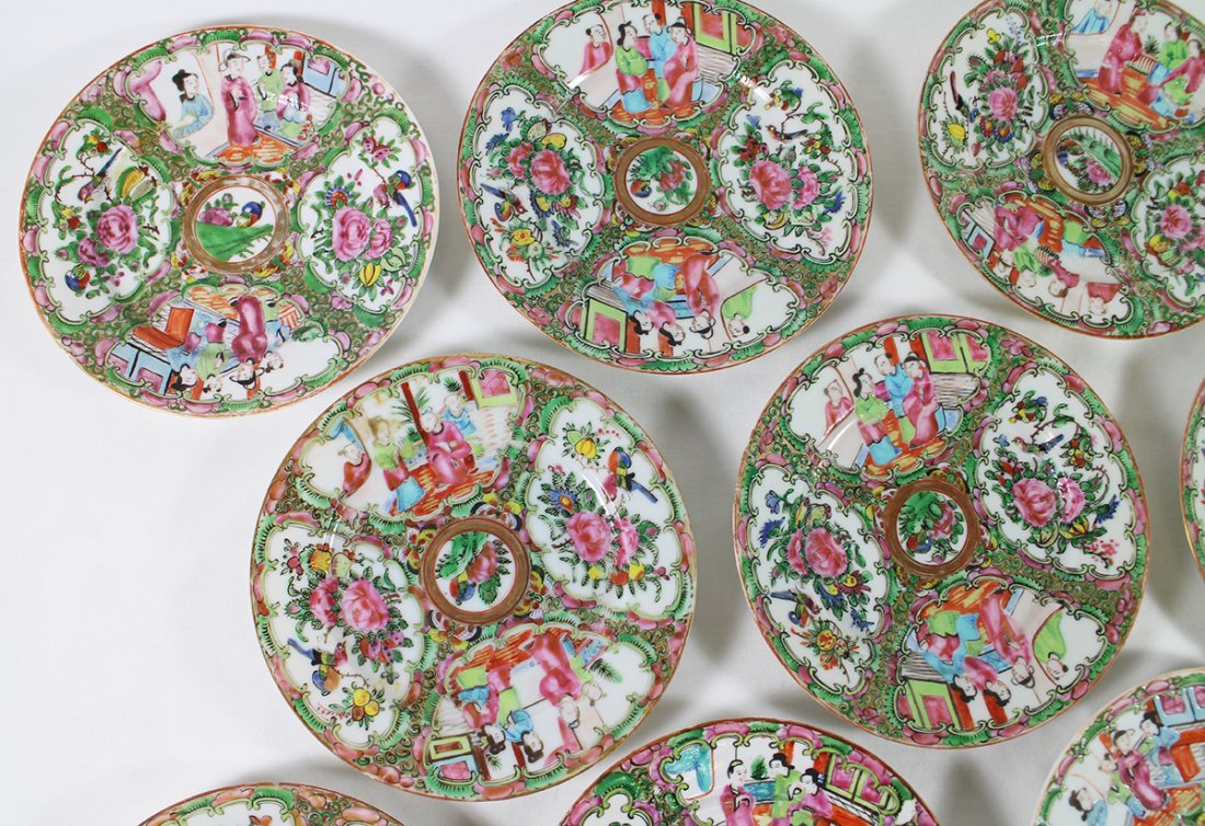 (10) 19TH CENT. CHINESE ROSE MEDALLION PLATES - 3