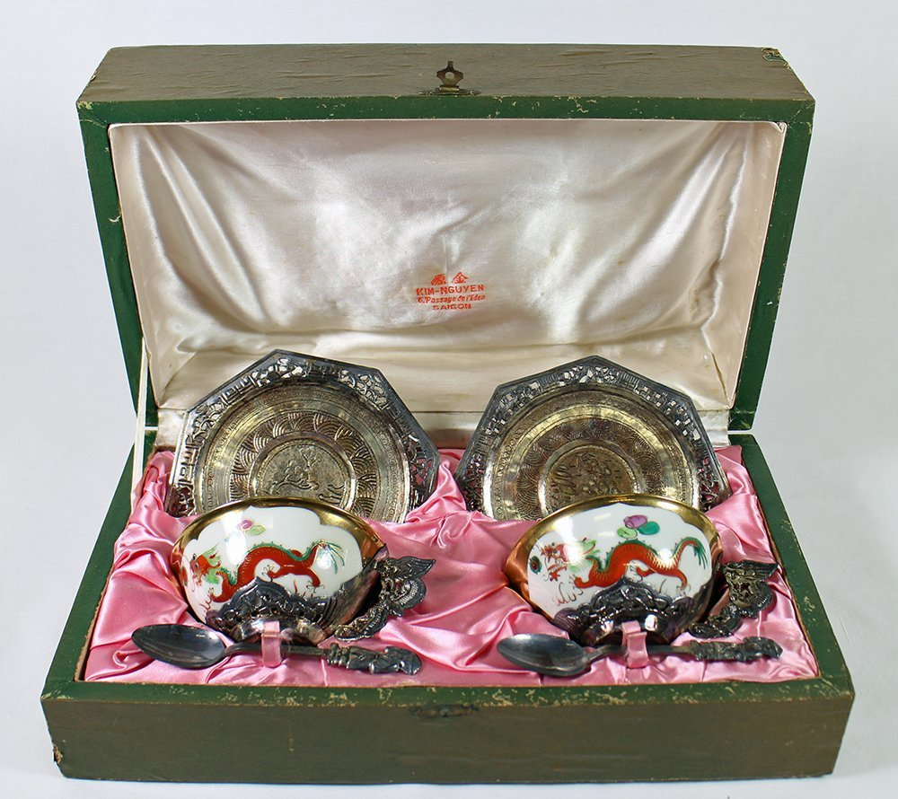 CHINESE PORCELAIN & SILVER TEACUP SET