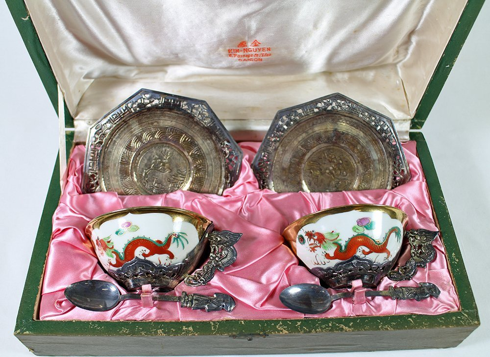 CHINESE PORCELAIN & SILVER TEACUP SET - 2