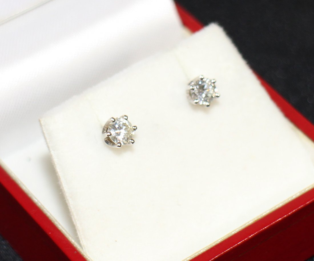 .60 TCW DIAMOND STUD EARRINGS - 2