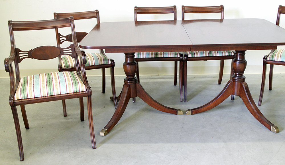 DUNCAN PHYFE STYLE DINING TABLE & CHAIRS - 4