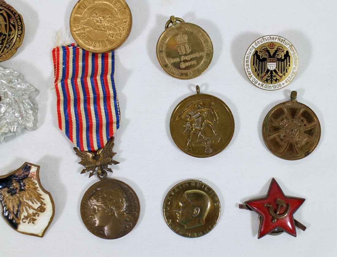 WWI WWII GERMAN MEDALS & AWARDS - 3