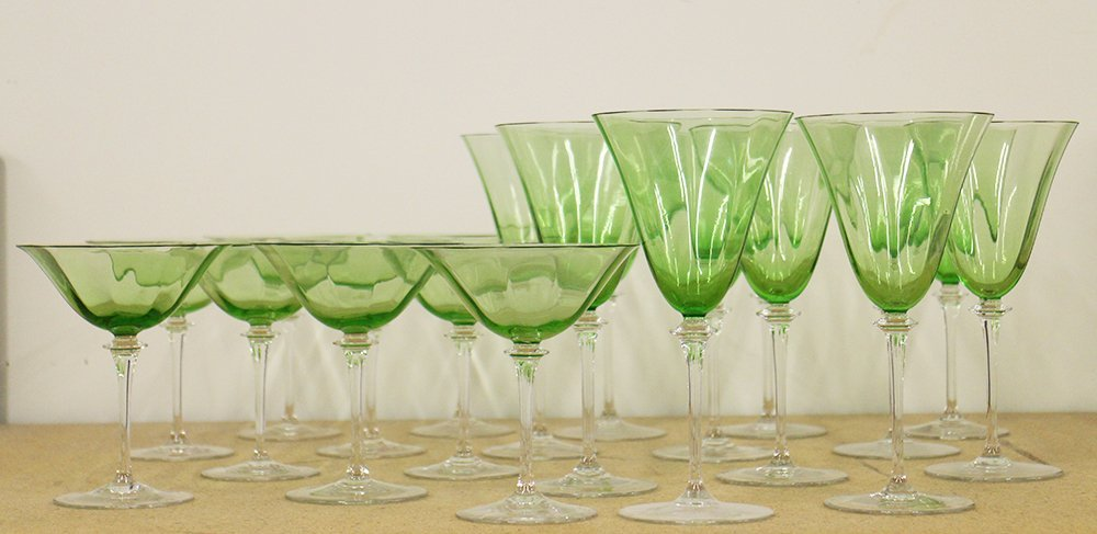 GREEN & CLEAR WINE & CHAMPAGNE GLASSES