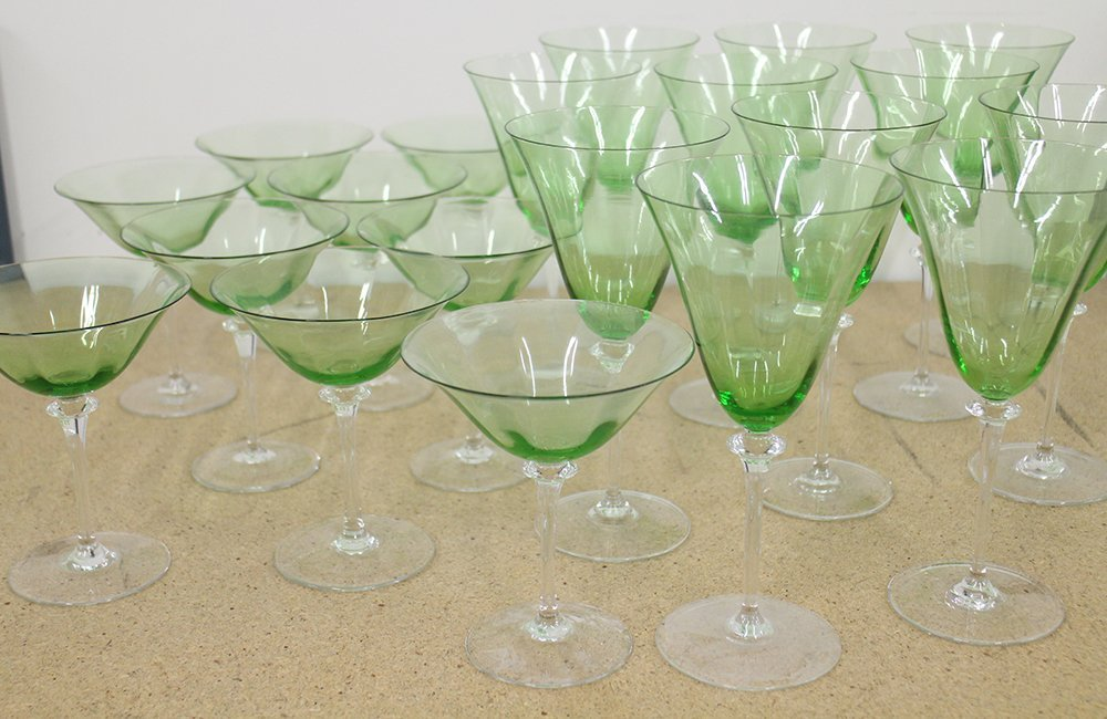 GREEN & CLEAR WINE & CHAMPAGNE GLASSES - 2