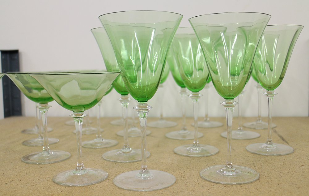 GREEN & CLEAR WINE & CHAMPAGNE GLASSES - 3