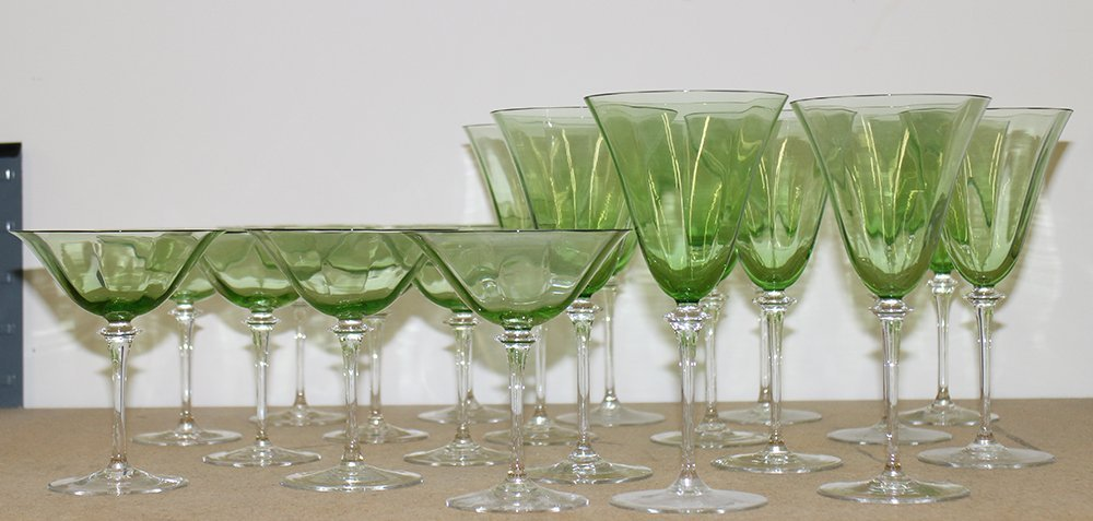 GREEN & CLEAR WINE & CHAMPAGNE GLASSES - 4