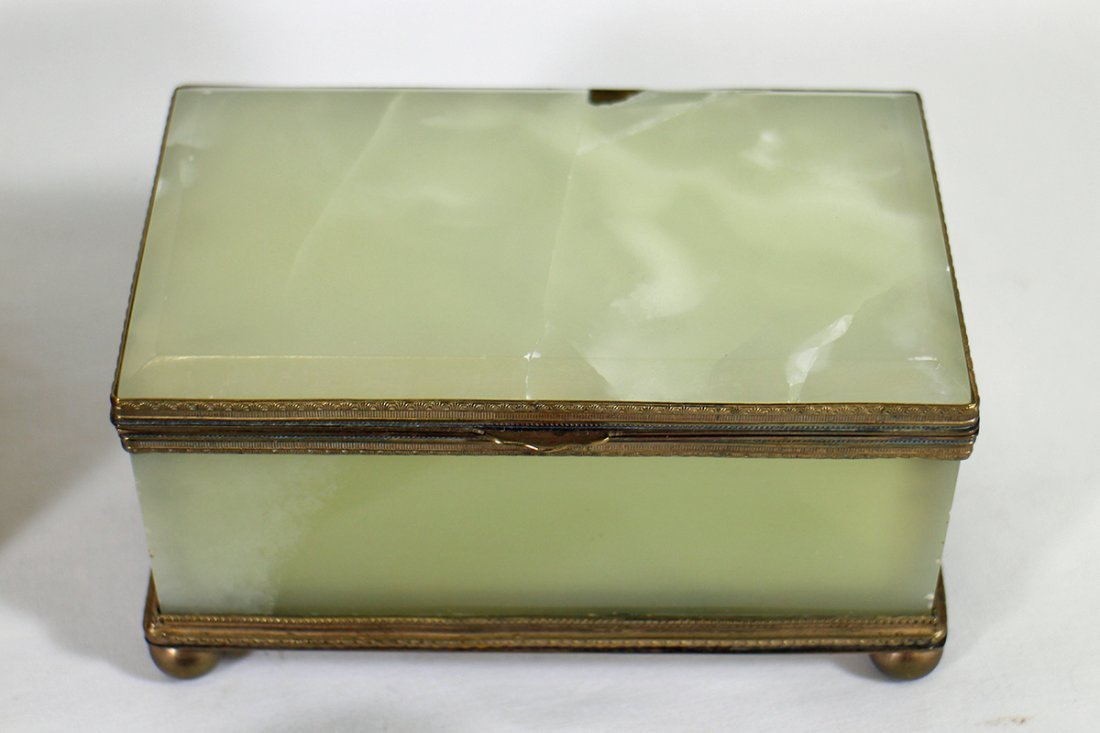 VINTAGE & ANTIQUE BOXES - 4
