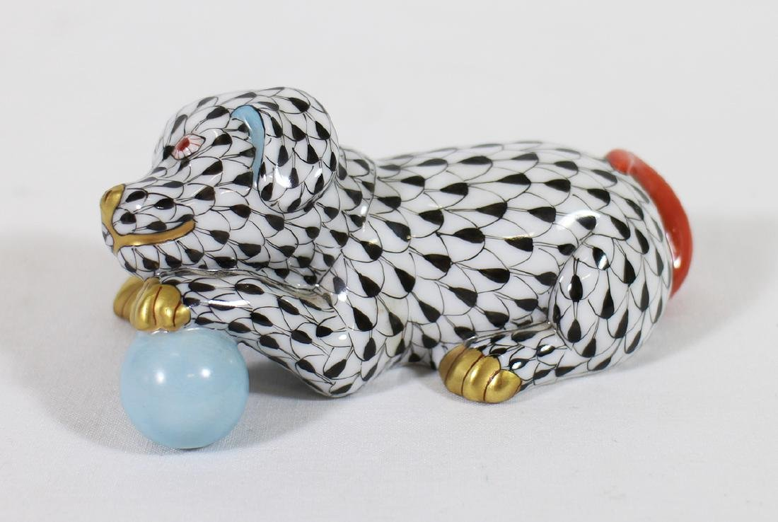 HEREND FISHNET DOG W/ BALL