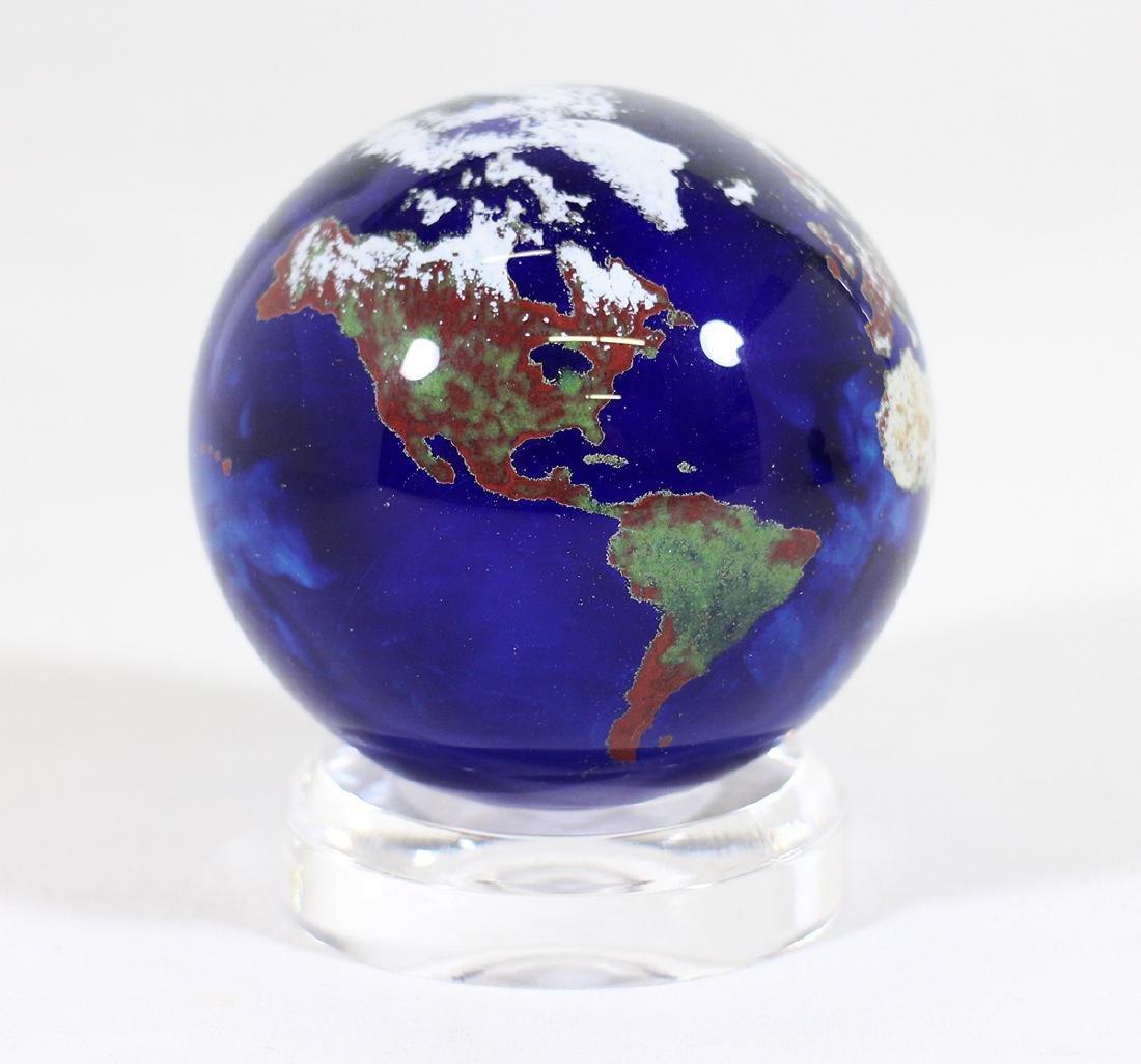 LUNDBERG STUDIOS ART GLASS GLOBE