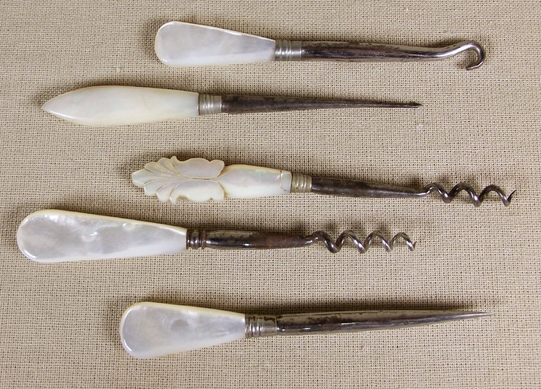 189: MOTHER OF PEARL TOOLS