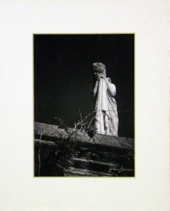 832 - Cyrus Photo