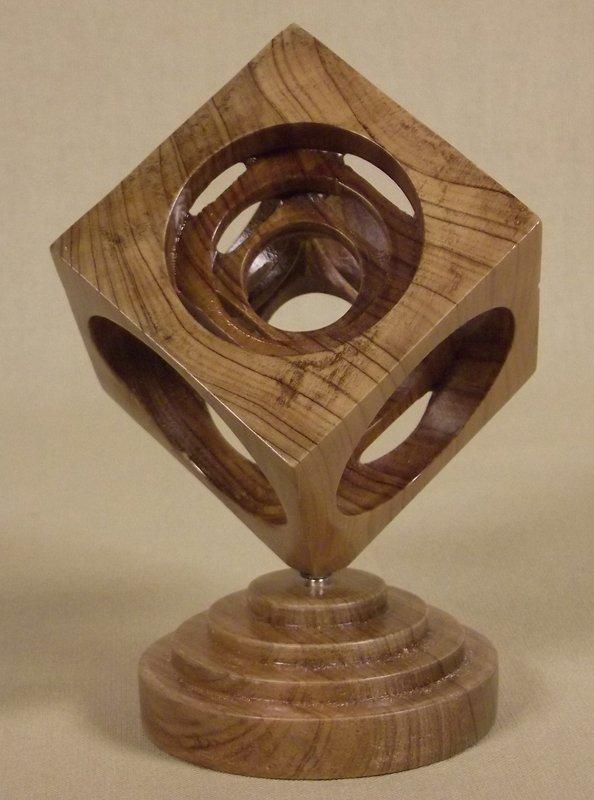 868 - Castelin Sculpture