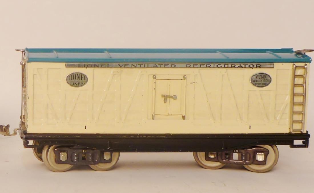 Vintage Lionel Trains Cars 212, 217, 214R, 220 - 3