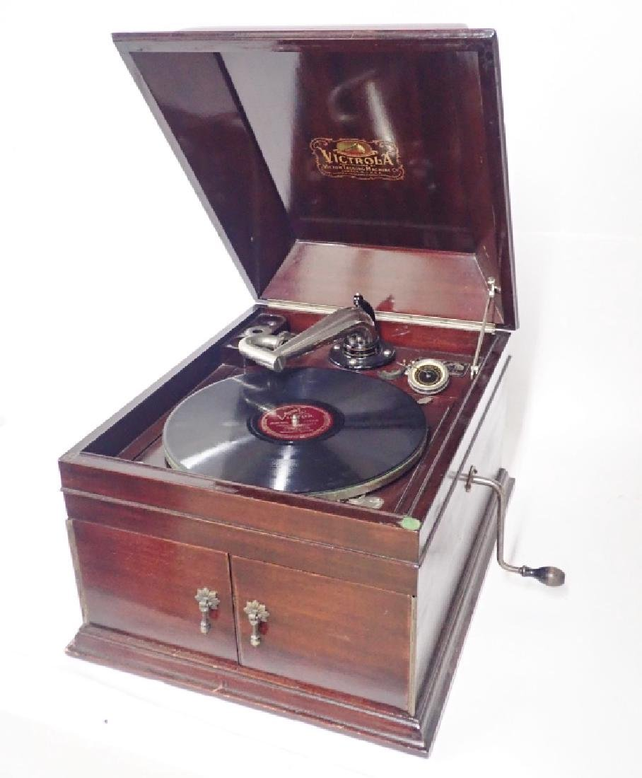 Mahogany Table Top Victrola, Victor Model VV-IX