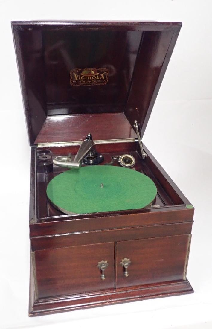 Mahogany Table Top Victrola, Victor Model VV-IX - 3