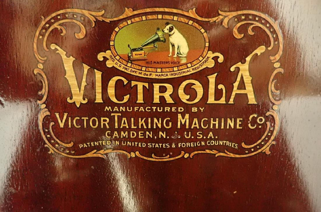 Mahogany Table Top Victrola, Victor Model VV-IX - 4