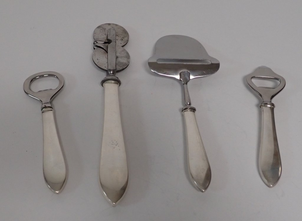 4 Pieces of Tiffany Faneuil Sterling Serving Ware - 7