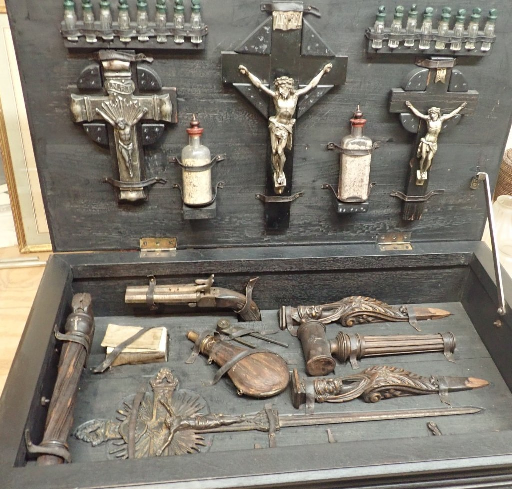 Vampire Hunting Kit in Hand Painted Box - 7