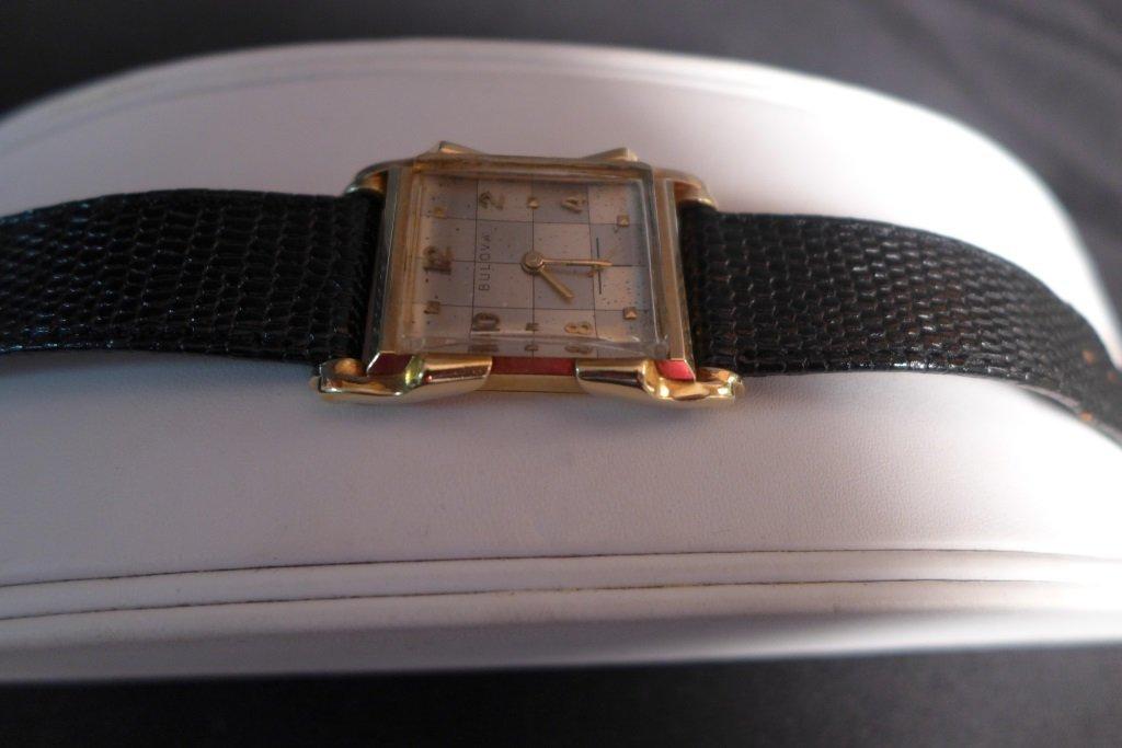Bulova 14K Gold Men's Dress Watch - 10
