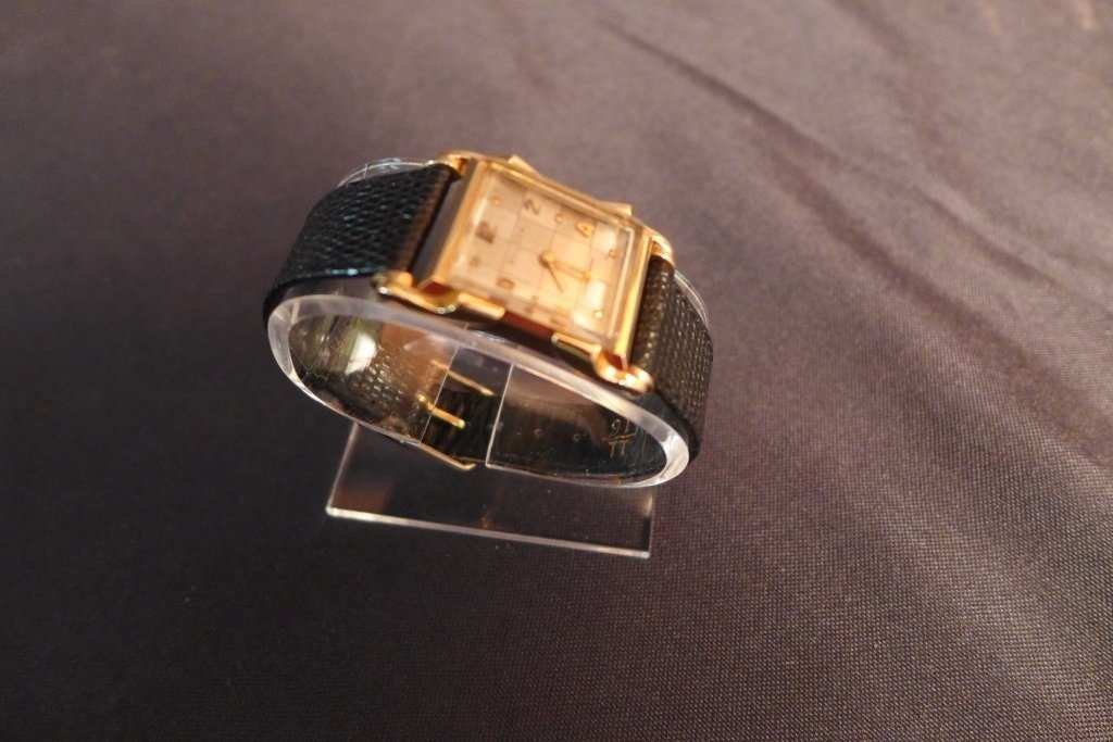Bulova 14K Gold Men's Dress Watch - 5