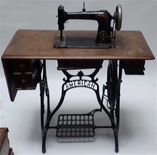 Vintage American Treadle Sewing Machine Table Adorable Treadle Sewing Machine Needles