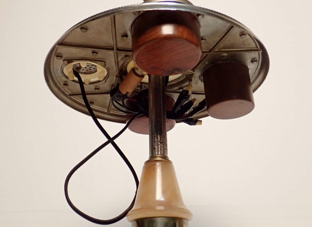 ABCO Art Deco Lamp Ashtray with Electronic Lighter - 4