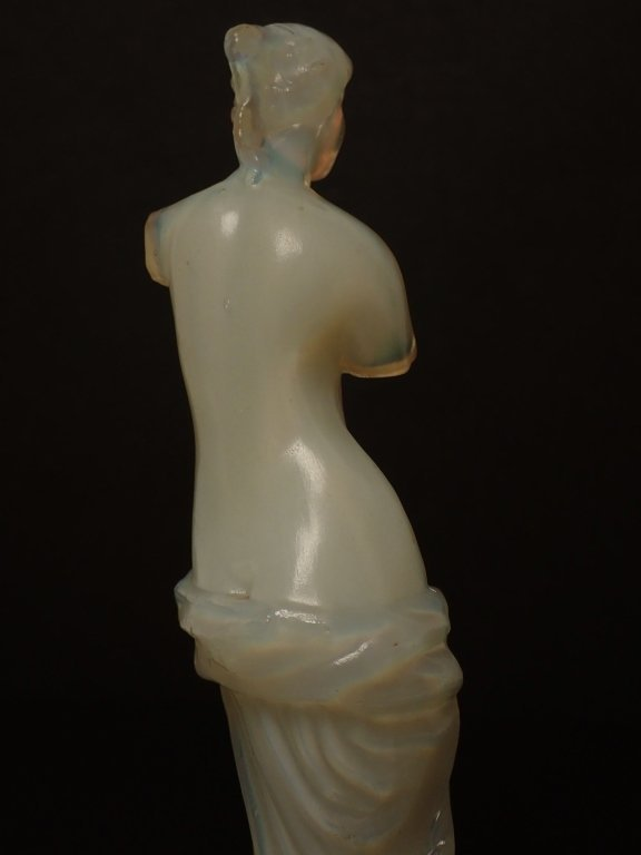 Opalescent French Glass Figurine Signed Lalique - 10