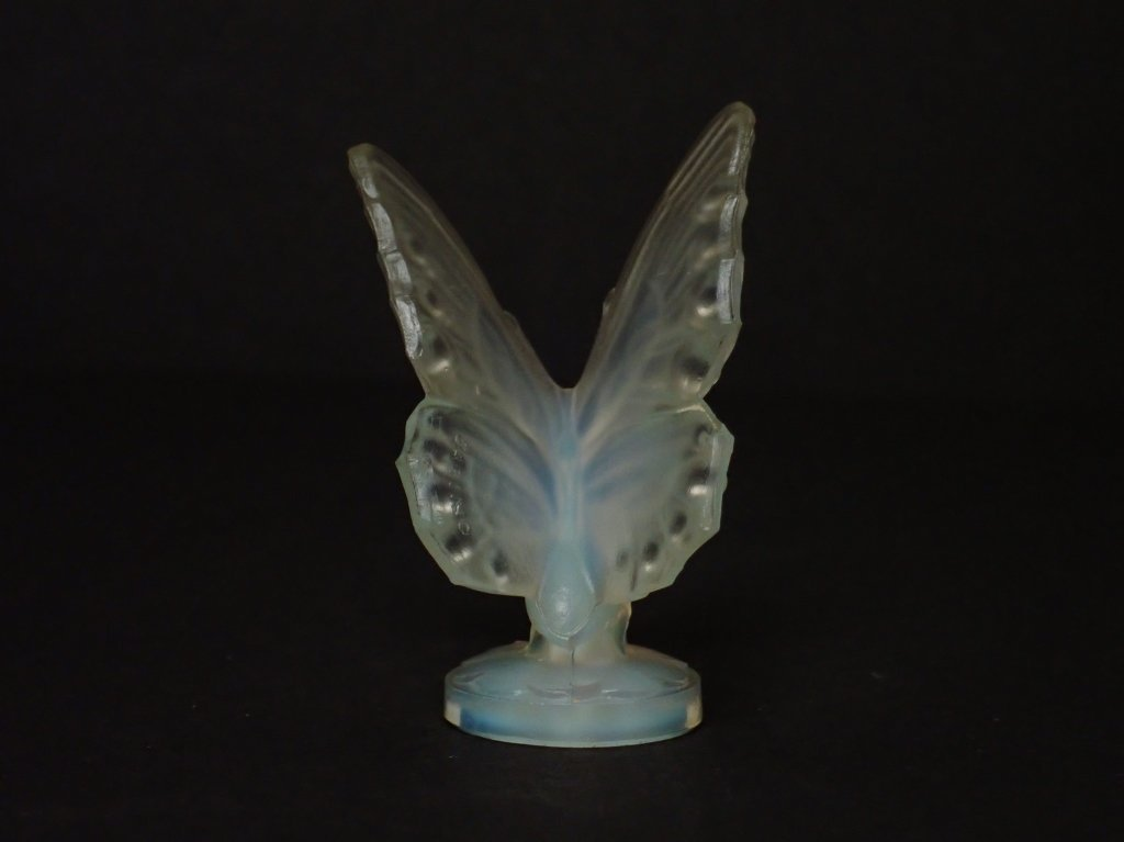 Opalescent Glass Butterfly Figurine Signed Sabino - 2