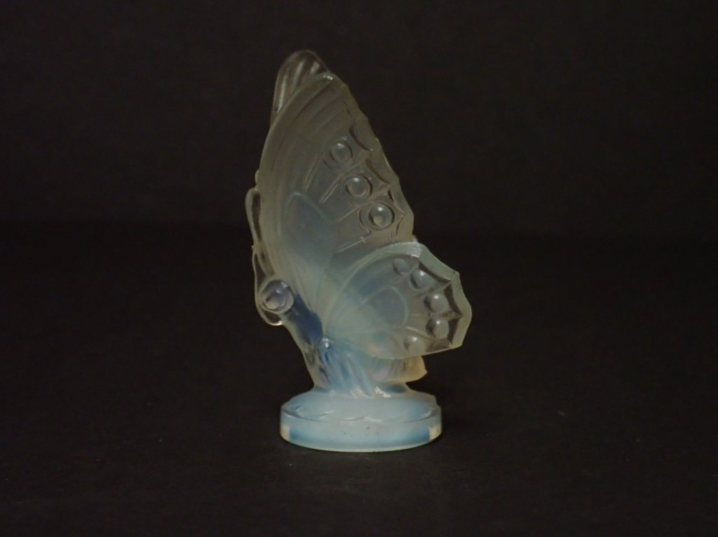 Opalescent Glass Butterfly Figurine Signed Sabino - 3