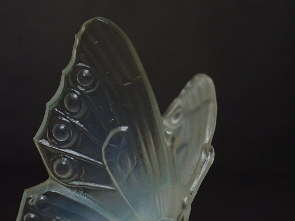 Opalescent Glass Butterfly Figurine Signed Sabino - 9