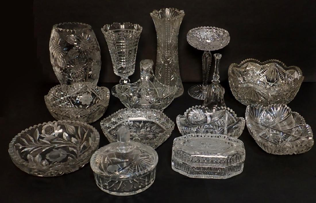 Grouping of Mixed Cut Crystal Vessels