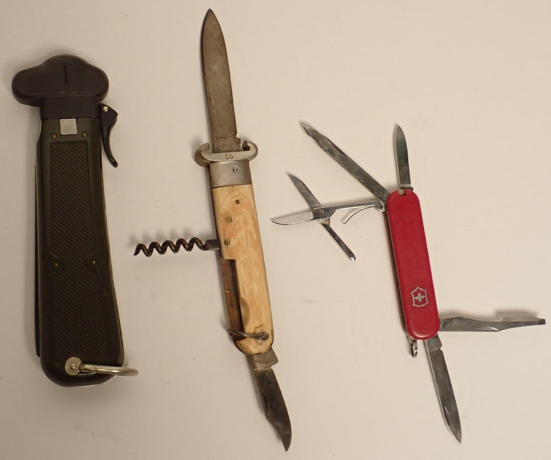 Grouping of Branded Knives - 7