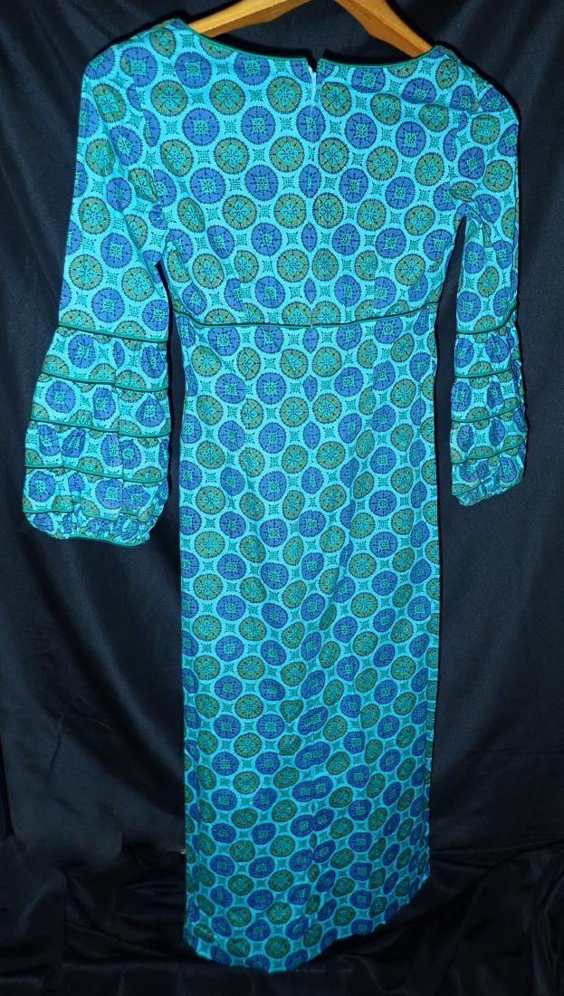 Three Vintage Dresses With Geometric Patterns - 5