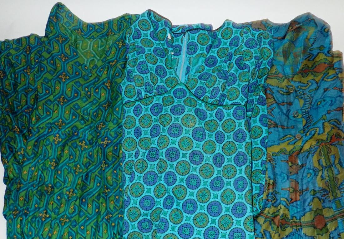 Three Vintage Dresses With Geometric Patterns - 8