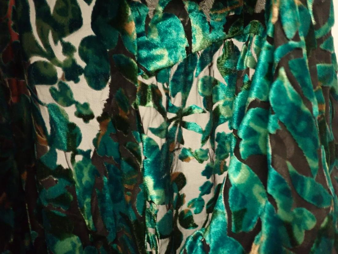 3 Vintage Womens Designer Robes - 8