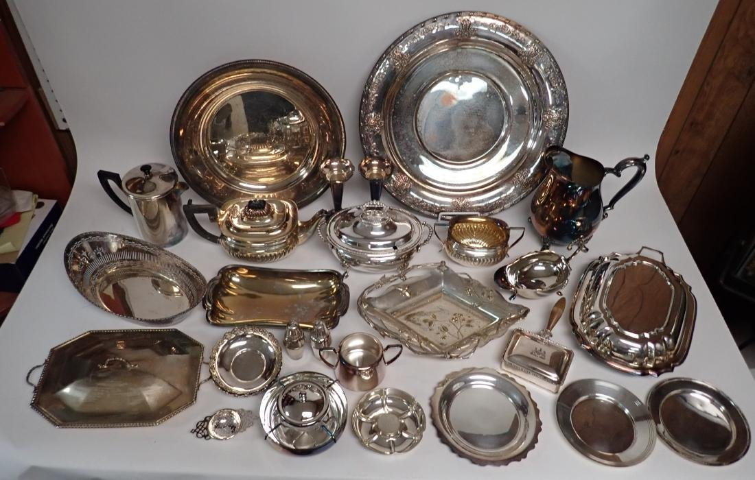 Collection of Vintage Silverplate Serving Ware - 11