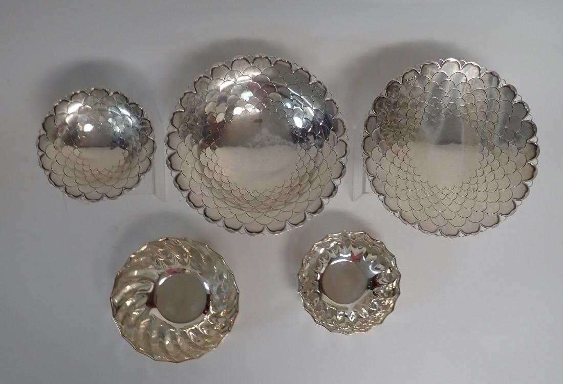 Collection of 5 Silver Bowls in Two Patterns - 2