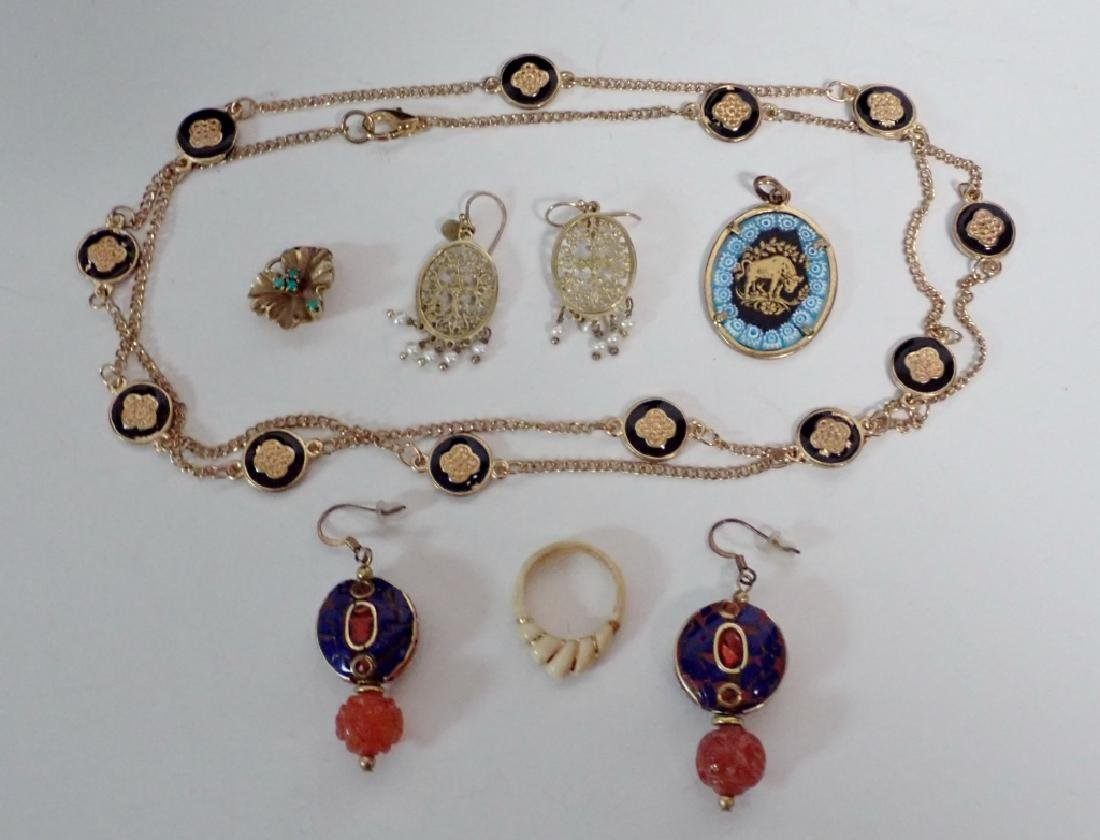 Assortment of Gold & Gold Tone Jewelry