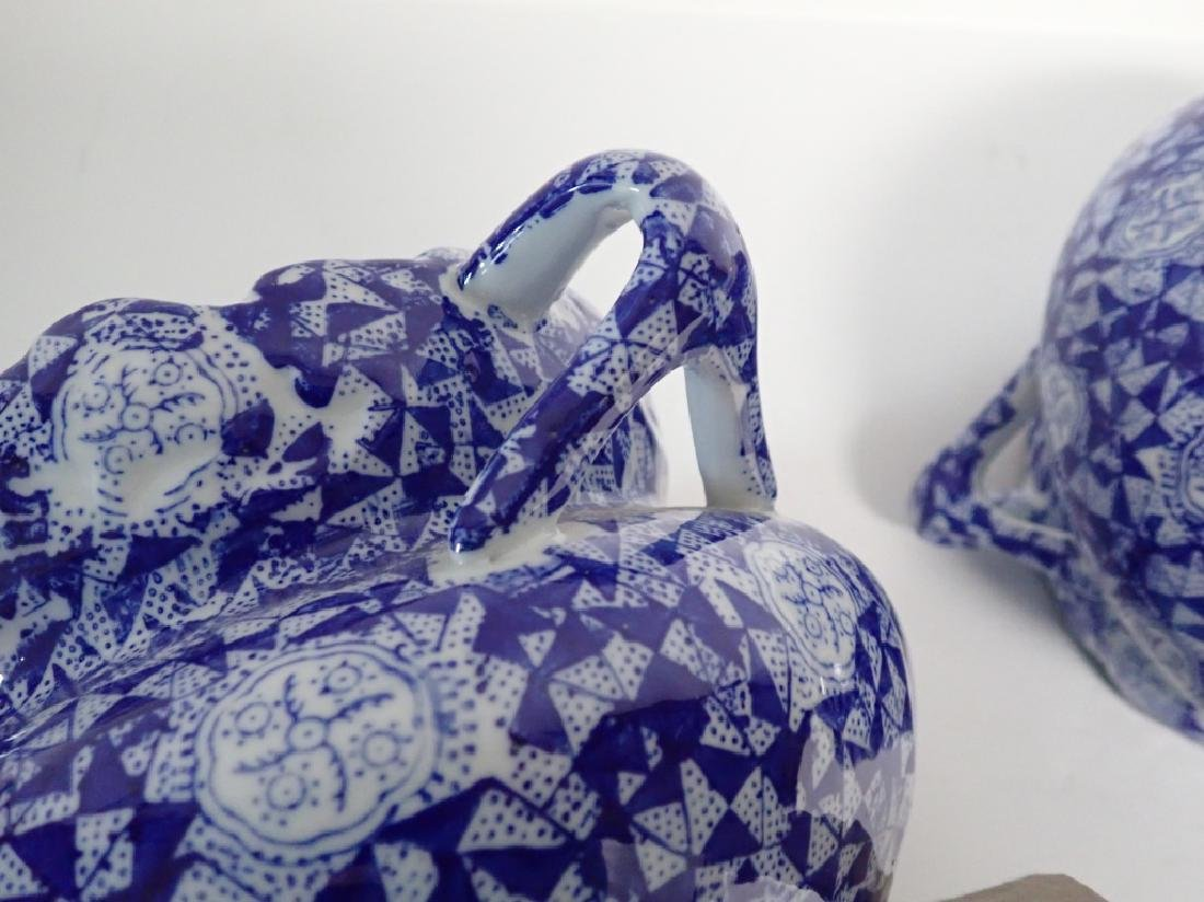 Pair Blue & White Chinese Handled Vessels - 7