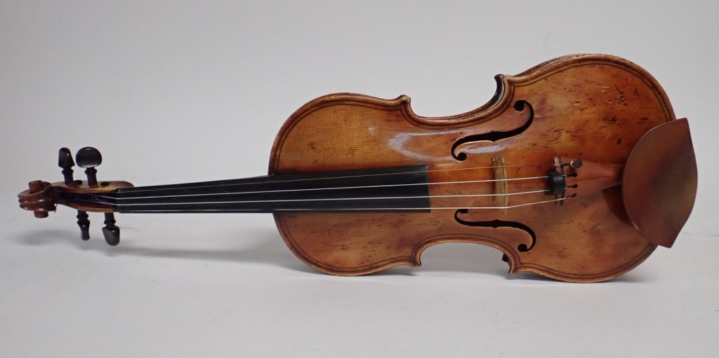 Antique Violin with Case and Four Bows - 2