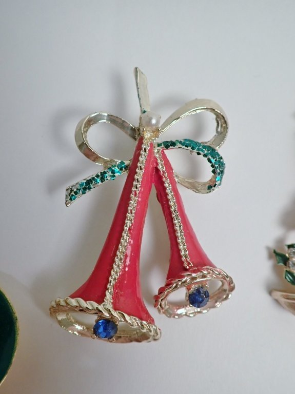 Vintage Christmas Brooch Collection - Kramer, Hedy - 4
