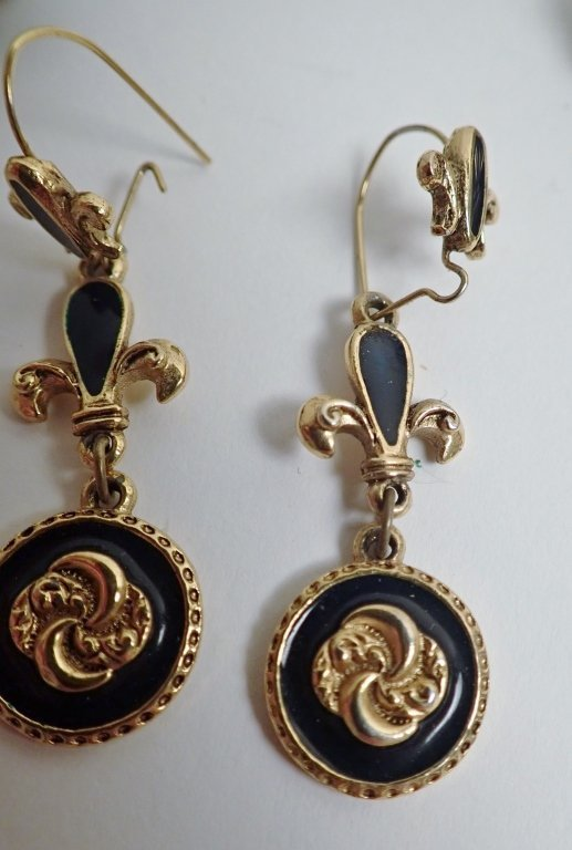 Collection of Signed Vintage Clip-On Earrings - 3