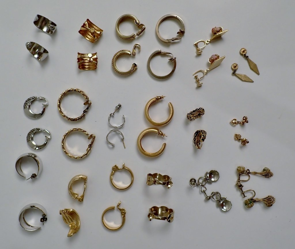 Collection of Fashion Earrings - 6