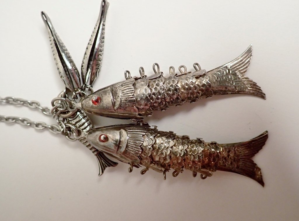 Collection of Vintage Fish Themed Jewelry - 10